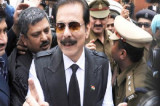 Sahara chief offers in SC to pay Rs 300 crore as bank gurantee