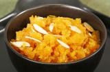 Mama's Punjabi Recipes: Dhuli Moong Di Daal Da Halwa (Yellow Moong Daal Halwa)