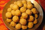 Mama's Punjabi Recipes: Gur Gaund Ladoos (Molasses Gum Balls)
