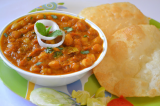 Mama's Punjabi Recipes: Bhature wale Chole (Chickpeas Eaten With Deep Fried Bread)