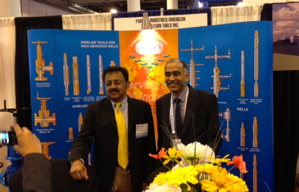 (Right) :T J Sinha with the  Indian Consul General when he visited the American Completion Tools booth.