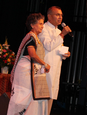 Chairman of Ekal Global Ramesh Shah and his wife Kokilaben Shah
