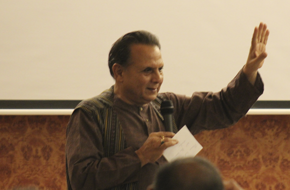 Dr. Bharat Gupt engaging the audience in a lively Q&A after an insightful talk.