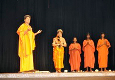 Bhagwan Buddha communicating with Amrapali.