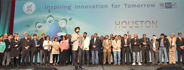 IIT Houston Chairman Witty Bindra at the closing of the IIT Global Convention with his team of organizers and volunteers.