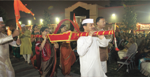 """The proud Marathi region presented a graceful folk dance """"Dindi"""" to the background of talented Marathi singers with the Lord of Pandharapur as the reigning deity."""