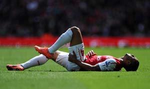 walcott_theo_injured_300