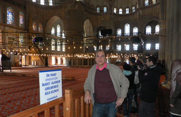 Jawahar Malhotra inside the Sultan Ahmet Or Blue Mosque