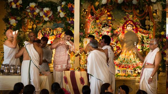 Maha Abhishek of Lord Chaitanya Mahaprabhu and Lord Nityananda Prabhu at ISKCON Houston.