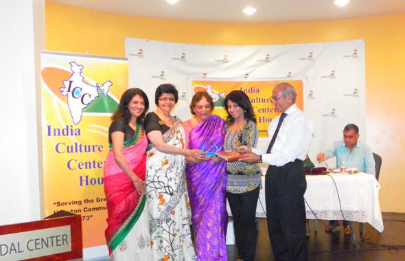 From left: Manisha Gandhi, Parul Fernandes, Sangeeta Pasrija and Lachmann Das presented the award to Leela Krishnamurthy.