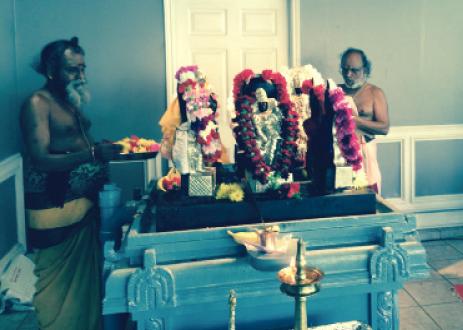 Guru Peyarchi Pooja at Sri Meenakshi Temple with Sri Manicka sundara Bhattar (right) and Sri Kalyana Sundaram