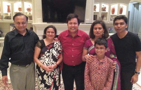 From left: Organizers Mukulesh and Upma Shah, Nadeem Asharafi from heartbeat group, Singer Dr. Veena Watve and her son Rohil and Nitish Kulkarni.