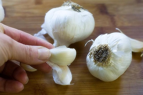 what-will-happen-if-we-eat-garlic-on-an-empty-stomach