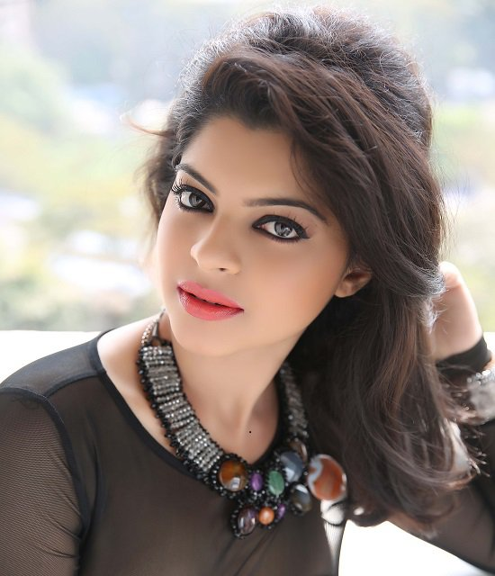 Ek veer ki ardaas veera sneha wagh aka ratan to be killed off ek veer ki ardaas veera is all set to bid sneha wagh who played the character of ratan good bye no the actor is not quitting the show but the makers of voltagebd Choice Image