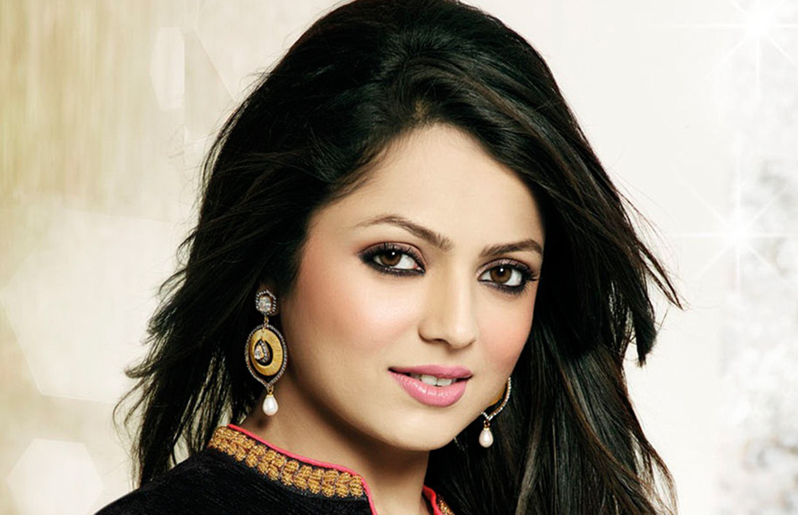 tv-actress-drashti-dhami-photos-6
