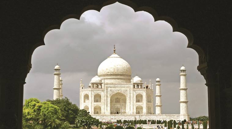 Indian tourists visit Taj Mahal in Agra