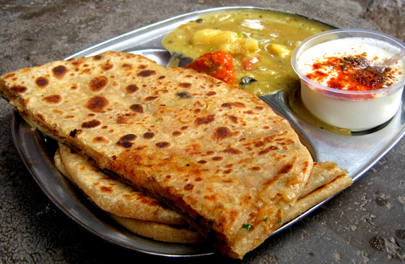 aloo-paratha-in
