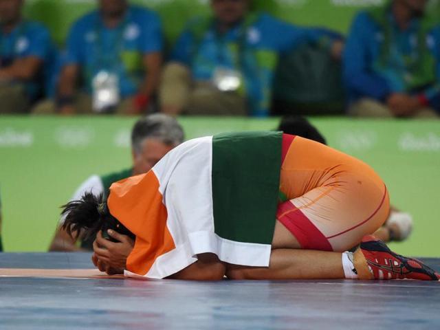 india-s-sakshi-malik-wins-bronze_88bea0b6-6537-11e6-b7cc-991406f1fe11