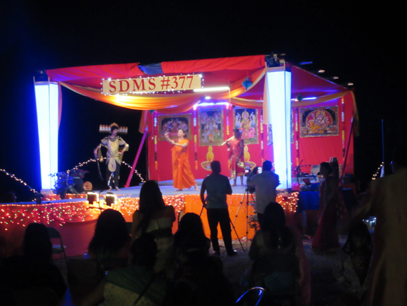 The Diwali Mela ate the SDSV Temple in Katy was held outdoors under the stars. The stage, decorations and co-ordination was done by the Sanathan Dharam Maha Sabha Branch 377.
