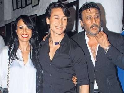 tiger-shroff-with-his-family