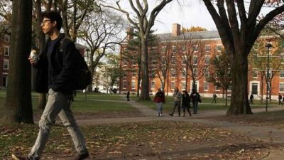 Britain on Tuesday said there is no cap on visa for Indian students and they are free to access world-class education in top notch UK universities.(Reuters File Photo)
