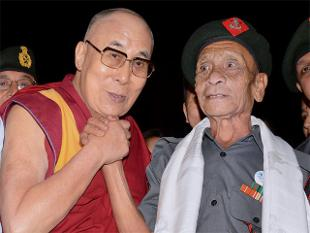 Dalai, who was in Guwahati to attend the Namami Brahmaputra river festival, embraced Das who escorted him till Balipara in Assam after his escape from Tibet in 1959.