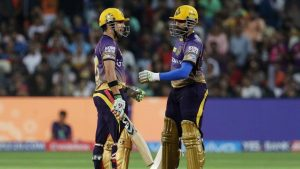 Kolkata Knight Riders captain Gautam Gambhir and teammate Robin Uthappa during their IPL 2017 match against Rising Pune Supergiant at the MCA Stadium in Pune.(BCCI)