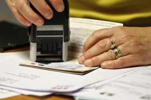 40-decline-in-us-visas-for-pakistanis-28-increase-for-indians-report