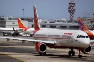 Seven unions of Air India have already joined hands to oppose the privatisation of the financially bleeding Air India. Photo: PTI