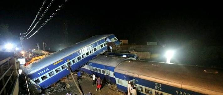 Utkal Express derailment: At least 22 passengers were dead and over 150 injured when 14coaches of the Puri-Haridwar Kalinga Utkal Express derailed in Muzaffarnagar. (Express photo by Praveen Khanna)