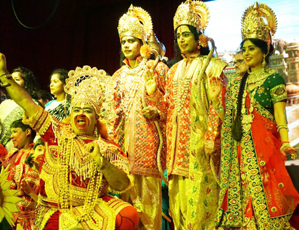 Ramleela 2017 was held atVPSS Haveli, on Sunday, September 24. From left: Dharminder Dargan as Hanuman, Ratnakar Modekrutti as Laxman, Vipin Sharma as Lord Ram, and Kusum Sharma as Sita.