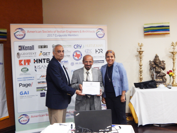 Mahesh Wadhwa accepting a certificate of appreciation from ASIE VP Chetan Vyas and ASIE Board Member Tej Kour.