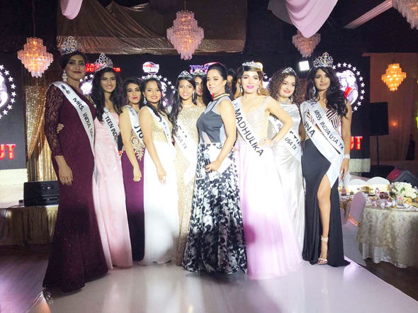 Abiya Olivia Malhotra (center) with the finalists & winners.