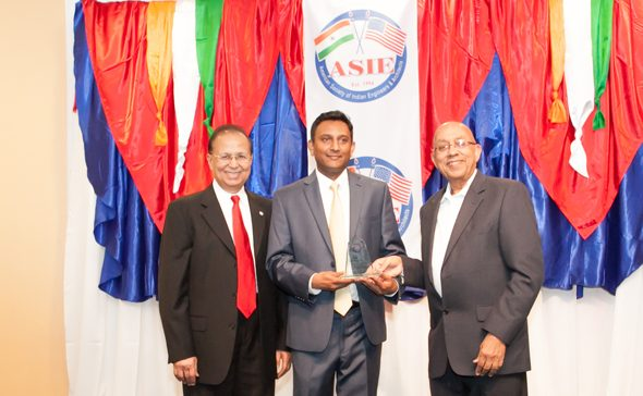 Dinesh D. Shah (left), Young Engineer of the Year 2018 Award recipient Sirish Madichetti, and H H Doshi.
