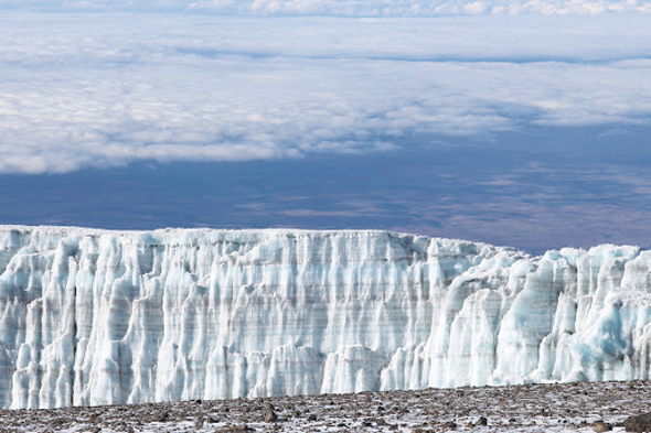 Glacier along the top of Uhuru peak