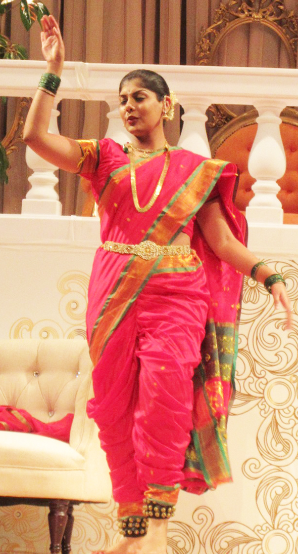 Mohini Agarwal, who played the role of Priyanka Chopra, danced towards the end of the play