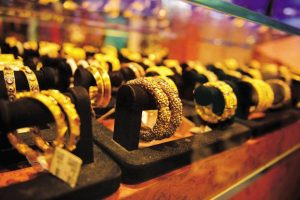 Globally, gold fell by 0.75% to $1,274.90 an ounce and silver by 0.53% to $16.86 an ounce in New York in yesterday's trade. Photo: Pradeep Gaur/Mint