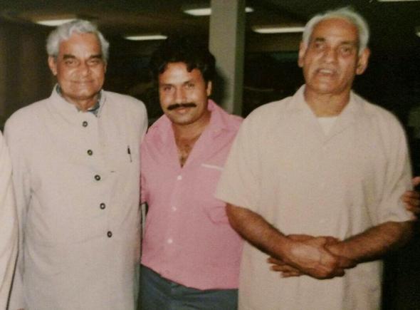 Jagdish Sharda with Atal Bihar Vajpayee.