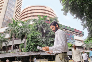 For the month so far, BSE's 30-share Sensex is down 5.07%, while China's Shanghai Composite Index is down 5.5%. Photo: Hemant Mishra/Mint