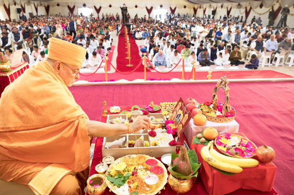 Sadguru Pujya Ishwarcharandas swami doing Foundation Stone laying ceremony of BAPS Hindu Mandir, Abu Dabhi, UAE