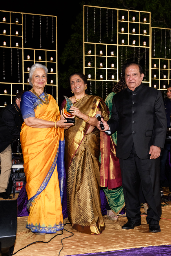 Himadri and Harish Katharani (VIP Reception Hosts) with Waheeda Rehman, Pratham Ambassador.