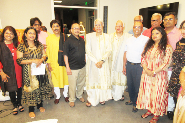 Concert organizer Rashmi Gupta (second from left) with the artistes and sponsor Vijay Goradia (to the right of Pt. Sajan Misra) after the concert.