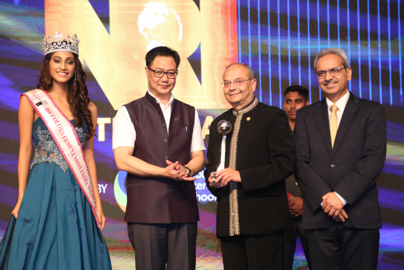 From left: Anukreethy Vas (Femina Miss India World), Hon. Kiren Rijiju (Union MoS, Home Affairs), Dr. Manu Vora, Sanjay Chougule, Senior GM, ICICI Bank