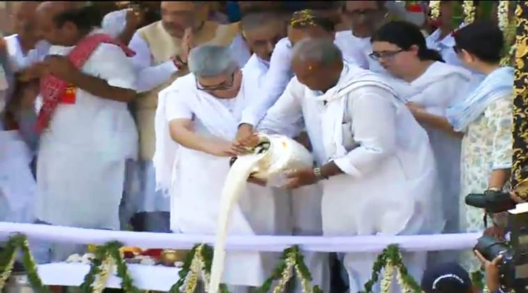 """Vajpayee's son in law Ranjan Bhattacharya carried the urn through the surging crowds to Brahmakund (Har ki Pauri) where it was later immersed in the Ganga amid elaborate rituals performed by """"Teerth purohits"""""""