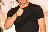 Shahrukh Khan injured, to undergo surgery