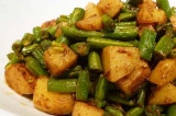 Mama's Punjabi Recipes:  Aloo Frans Bean (Potatoes and Green Beans)