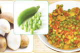 Mama's Punjabi Recipes: Khumban Te Mutter di Turri (Mushroom & Peas Curry)