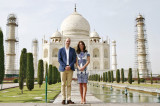 William and Kate follow Diana's footsteps, visit Taj Mahal