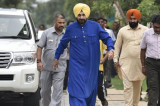 Navjot Sidhu likely to join AAP on I-Day eve, campaign for Punjab poll