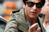US apologises after SRK is detained at Los Angeles airport
